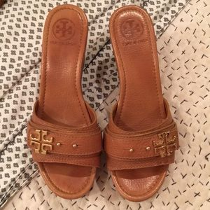 Tory Burch tan leather platform wedges!!!!!